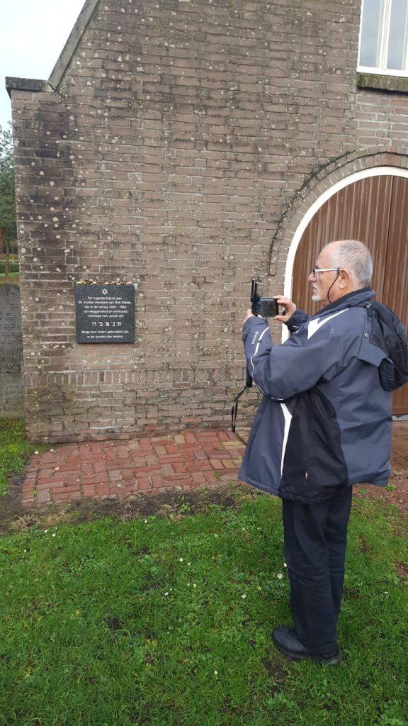 Nabestaande van de Holocaust bezoekt Den Helder